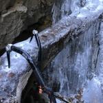 Jeklo in led